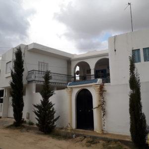 Spacieuse villa composée de 3 appartements à côté de la mer Djerba H. Souk