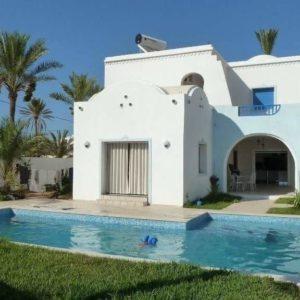 Villa avec piscine S+5 Zone touristique