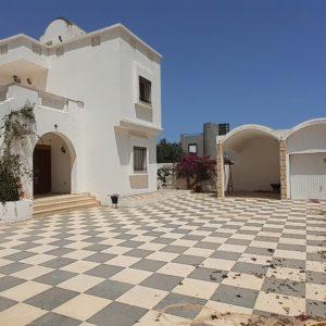 Villa S+5 à Midoun RLV 0299