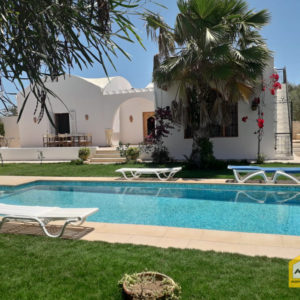 Superbe villa avec piscine à Tezdaine ALP0052