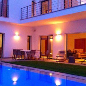 Villa S+4 avec piscine au début de la Soukra