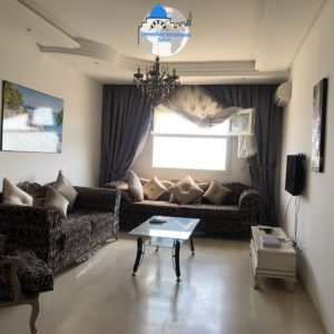 Appartement S+2 meublé à zone touristique