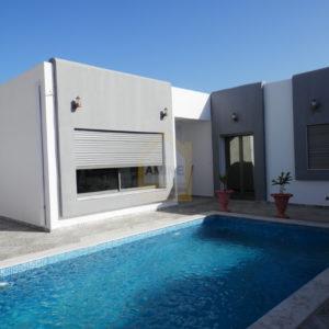 Charmante villa+piscine non meublée à Djerba H.souk