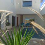 Photo-4 : Récente villa avec piscine meublée vue mer