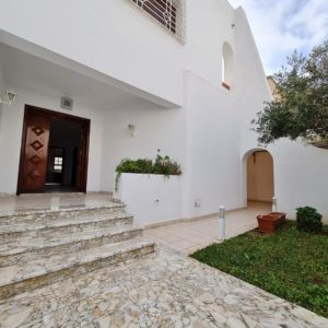 Villa à Ennasr 1