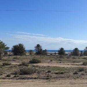 Magnifique terrain disposant d'une vue mer dans un endroit stratégique avec titre bleu