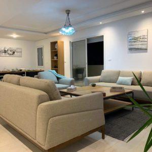 Bel appartement S+4 à la Soukra