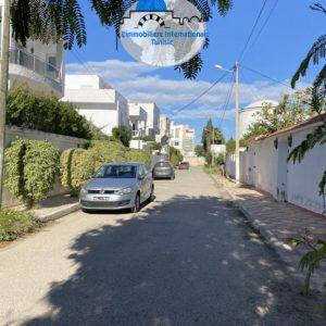 Terrain d'une superficie 496 m² à Khezama Ouest