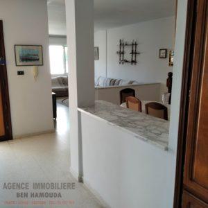 Villa sur la route à sidi salem Bizerte