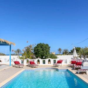 Palmiers villa de vacances avec piscine vue mer à djerba