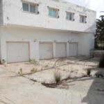 Photo-18 : Grande villa inachevée au cœur de la zone touristique Djerba