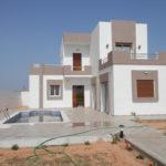 Villa neuve avec un studio et 3 garages à Djerba Midoun