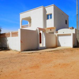 Belle villa avec garage proche la mer Midoun