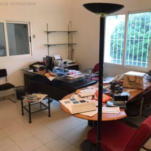 Bureau avec Entrepôt à La Soukra