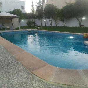 Villa S3 avec piscine et jardin à La Soukra
