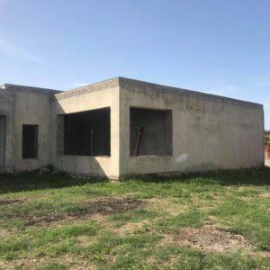 Villa inachevée de 2000m² à la Soukra