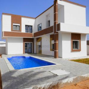 Grande villa moderne avec piscine à Djerba Midoun