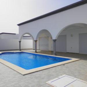 Magnifique villa avec piscine à vendre à Djerba Midoun