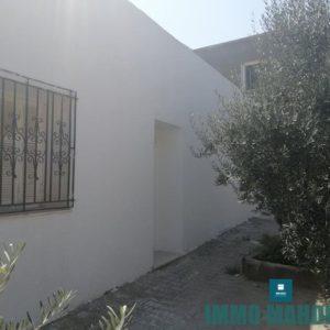 Maison indépendante en S+1 située à Hiboun