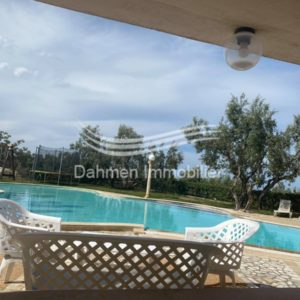 Superbe villa magnifiquement située avec une belle piscine privée