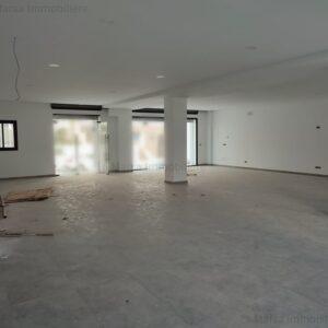 Local commercial de 170 m² à Ain Zaghouan