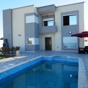 Superbe villa avec piscine neuve proche de proche de la mer