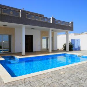 Charmante villa meublée avec piscine privée à Tezdaine Djerba