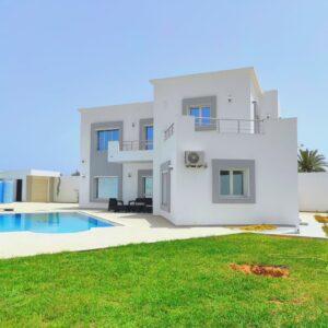 Splendide maison 04 chambres avec piscine à Djerba