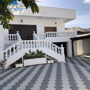 Magnifique Villa située dans un quartier résidentiel et calme à Bouhsina Coté Aziza Sousse