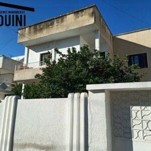 Villa sur 2 Niveaux sur 813 m² à Bardo