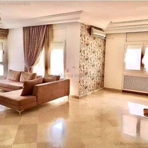 Appartement S3 de 225m² à Ennasr 2