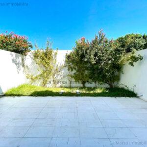 Triplex S3 avec piscine et jardin à Gammarth