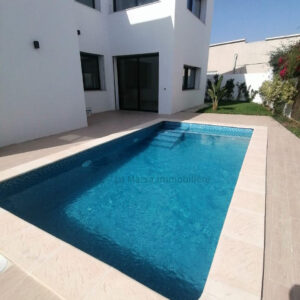 Villa S4 avec piscine et jardin à La Soukra