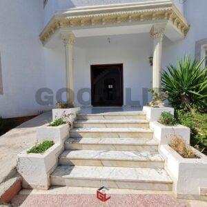 Villa de 280 m² à Ennasr 2